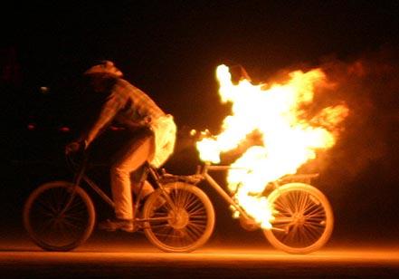 burning-man-couple